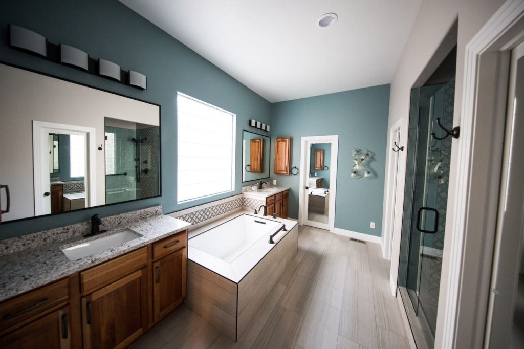 renovate your bathroom to improve the space